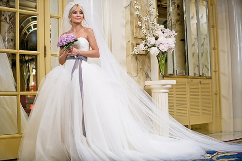 bride-wars-vera-wang-wedding-dress-kate-hudson